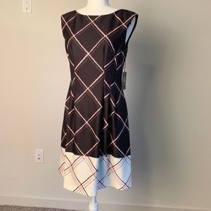 Vince Camuto NWT shift dress size 6 blk/pink